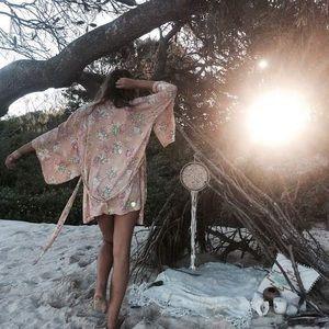 NWOT Spell Sundancer Blush Short Kimono